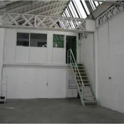 Location Entrepôt Vénissieux 110 m²