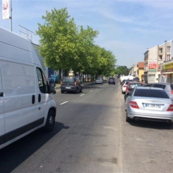 Vente Local commercial Stains 700 m²