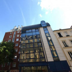 Location Local commercial Paris 17ème 69 m²