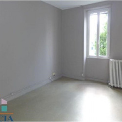 Location Local commercial Angers 69,11 m²