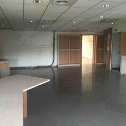 Location Local commercial Saint-Laurent-du-Var 300 m²