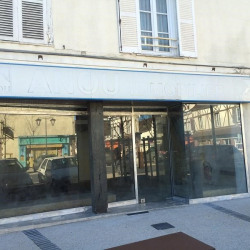 Location Local commercial Courville-sur-Eure 90 m²