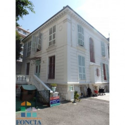 Location Local commercial Nice 269,99 m²