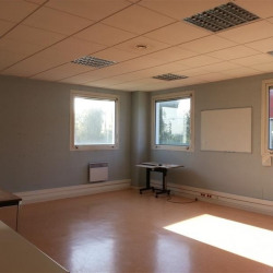 Location Bureau Villiers-le-Bel 1384 m²