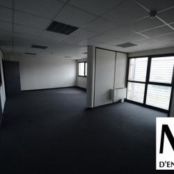 Location Bureau Vaulx-en-Velin 403 m²