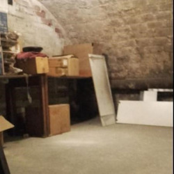 Location Local commercial Paris 10ème 64 m²