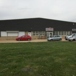 Location Local d'activités Saint-Savin 865 m²