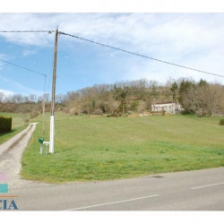 Vente Terrain Bon-Encontre 0 m²
