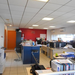 Location Local commercial Blanquefort 98 m²