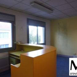 Location Bureau Vénissieux 144 m²