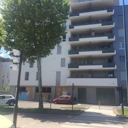 Location Local commercial Échirolles 122 m²