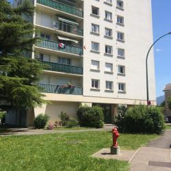 Location Entrepôt Le Pont-de-Claix 25 m²