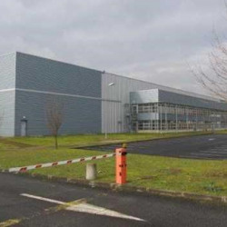 Location Entrepôt Combs-la-Ville 21696 m²
