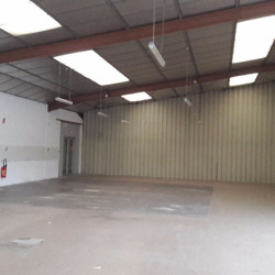 Location Local commercial Saint-Germain-du-Puy 1000 m²
