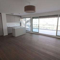 Appartement Nice dernier étage 3 pièce (s) 82 M2/