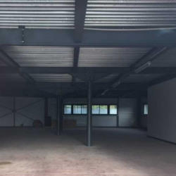 Location Local commercial Saint-André-de-Cubzac 210 m²