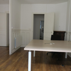 Location Bureau Saint-Cloud 67 m²
