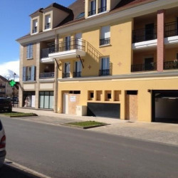 Location Local commercial Tigery 96 m²