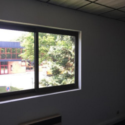Location Bureau Grigny 84 m²