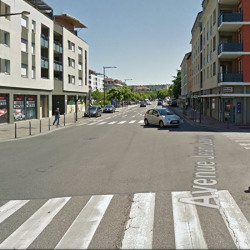Location Local commercial Décines-Charpieu 216,2 m²