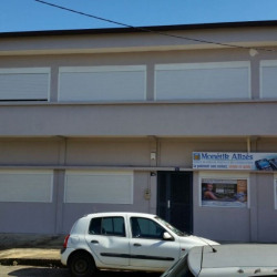 Location Local commercial Cayenne 285 m²
