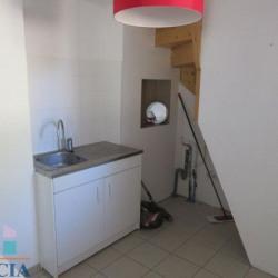 Location Local commercial L'Isle-d'Abeau 65,79 m²