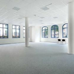 Location Bureau Chessy 689 m²
