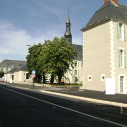 Location Local commercial Nevers 56 m²