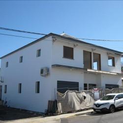 Location Local commercial Saint-Pierre 276,92 m²