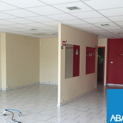 Location Local commercial Agen 68 m²