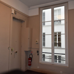 Location Bureau Paris 1er 83 m²