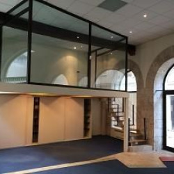 Location Local d'activités Chartres 102 m²