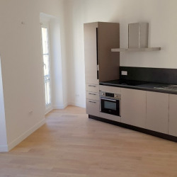 Appartement Nice 3 pièce (s) 50 m² Dernier étage/Co