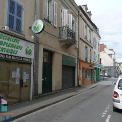 Location Local commercial Laval 50,67 m²