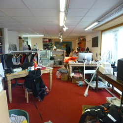 Location Local commercial Huez 82 m²