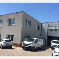 Location Local commercial Chaponnay 851 m²