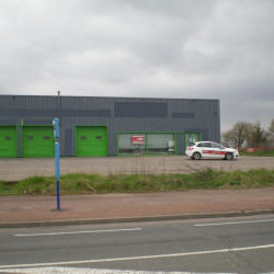 Location Local commercial Nevers 1250 m²
