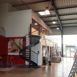 Location Local commercial Saint-Marcel-lès-Valence 509 m²