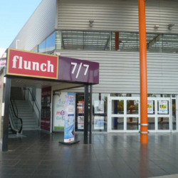Location Local commercial Bollène 1146 m²