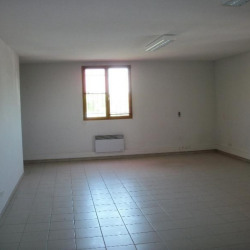 Location Bureau Caissargues 78 m²