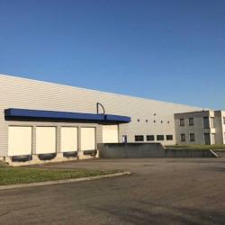 Location Entrepôt Mions 3560 m²