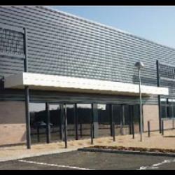 Location Local commercial Saint-Bonnet-de-Mure 230 m²