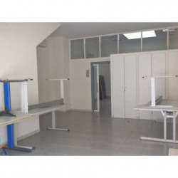 Location Local commercial Vendres 192 m²