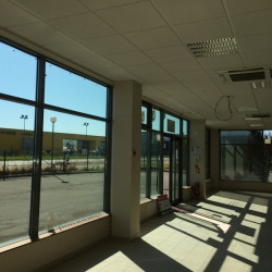 Location Local commercial Villefranche-sur-Saône 410 m²