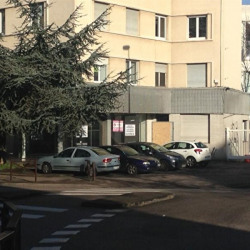 Location Local commercial Metz 300 m²