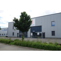 Location Local commercial Péronnas 1400 m²