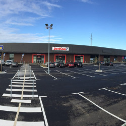 Location Local commercial Soyaux 415 m²