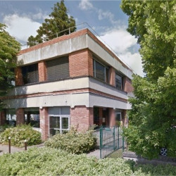 Location Local commercial Avon 123 m²