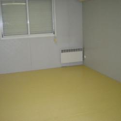 Vente Bureau Bourges 58 m²