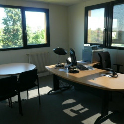 Location Bureau Saint-Genis-Laval 240 m²